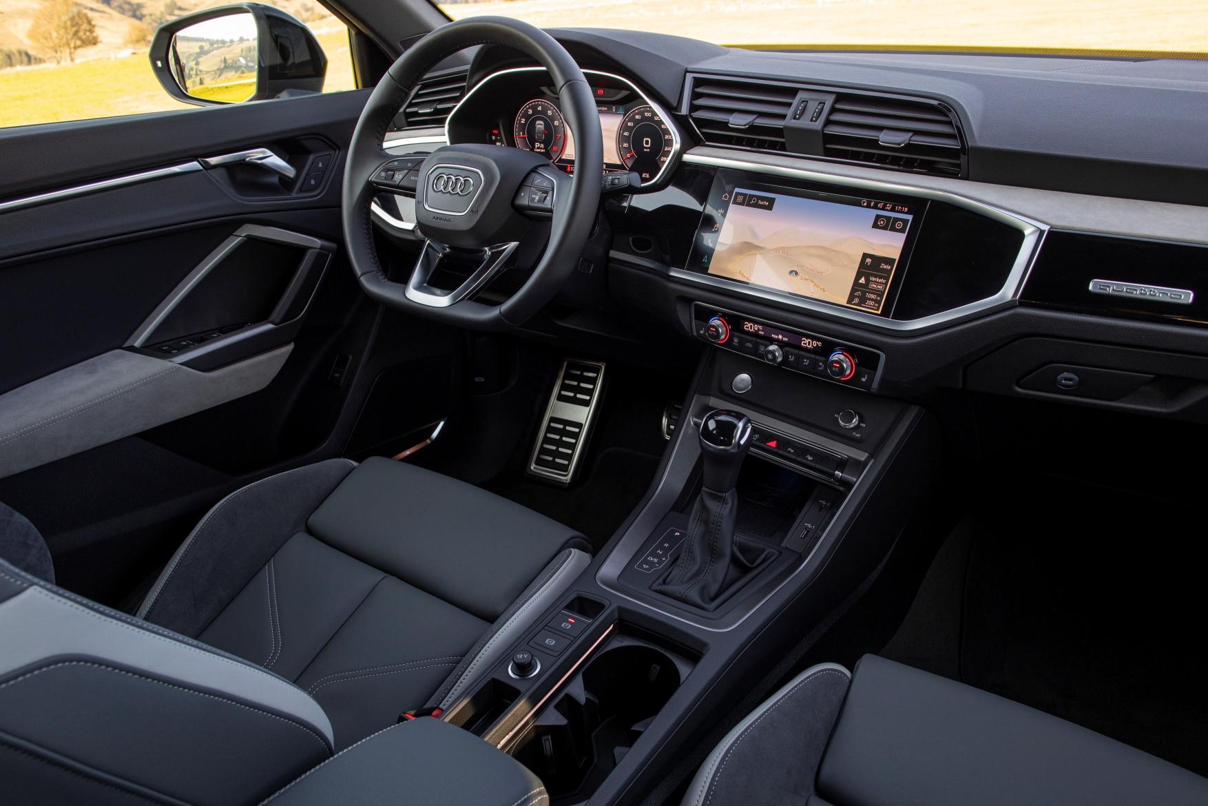 Q3 Sportback interior