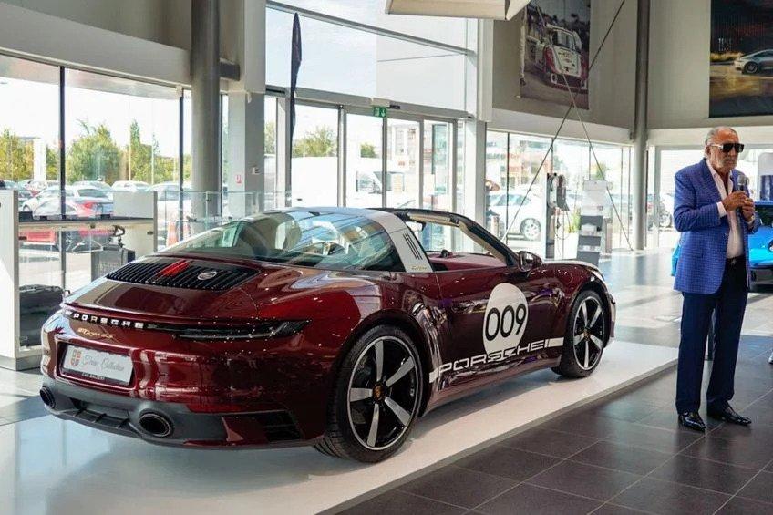 Ion Tiriac - Porsche 911 Targa 4S Heritage Design Edition